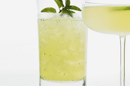 HOW TO MAKE MOJITO MOCKTAIL