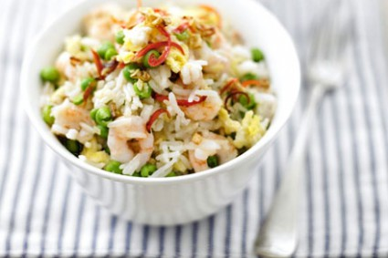 Thai fried rice with prawns & peas