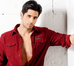 Did someone just call for hotness? Because Sidharth Malhotra is here!