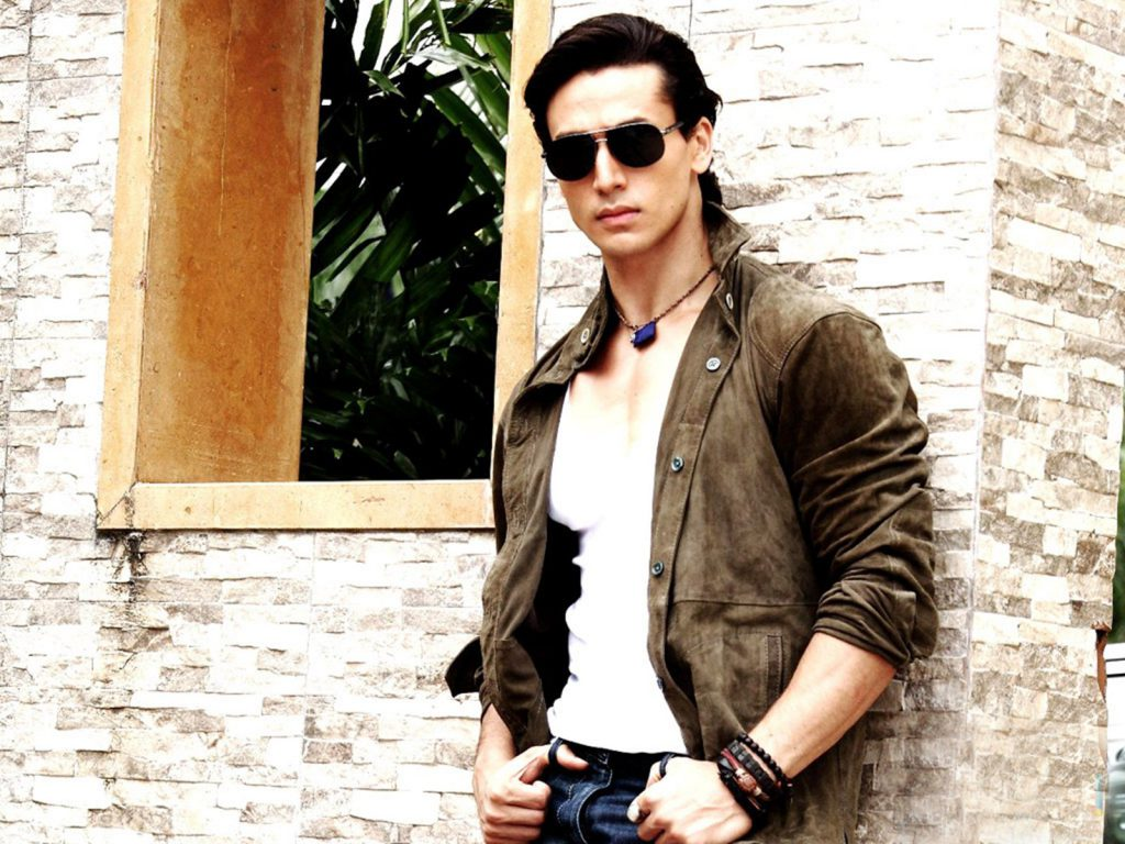 Tiger-Shroff-Nice-Style-Photos