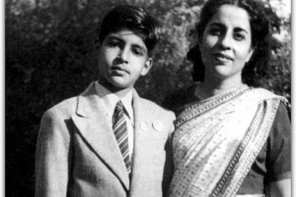 Megastar Amitabh Bachchan Says It Was His Mother Teji Bachchan Who Gave Him His Sense Of Fashion And Style. Amitabh Shared A Photograph Of His Himself Along With His Mother On Instagram