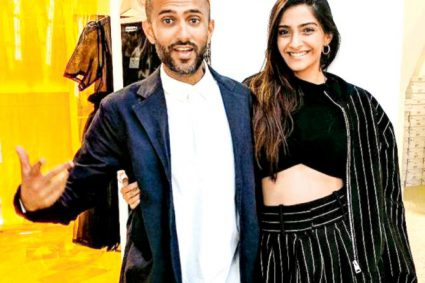 Do not disturb! Anand Ahuja will not allow Sonam Kapoor to sleep with her phone post marriage You know how addicted Sonam Kapoor is to social media! If there are 24 hours in a day then Sonam spends almost about 18 hours on social media be it Instagram or Twitter.