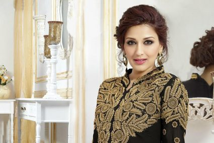 Indo-Canadian actress Lisa Ray, a cancer survivor, has sent love and wishes to Bollywood actress Sonali Bendre