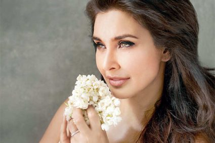 Lisa Ray: I don't have capacity to play safe Actress Lisa Ray likes to take risks and says she enjoys playing unusual characters.