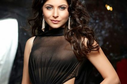 Kanika Kapoor Who Tested Positive For COVID-19, Says She Didn't Run Away From Airport Or Hide In Toilet