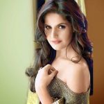 Zarine-Khan-Wallpaper-compressor
