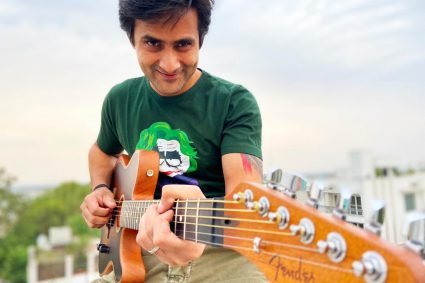 Singer Aditya Jassi wins another accolade, got selected as the official endorsee of Fender Acoustasonic guitars
